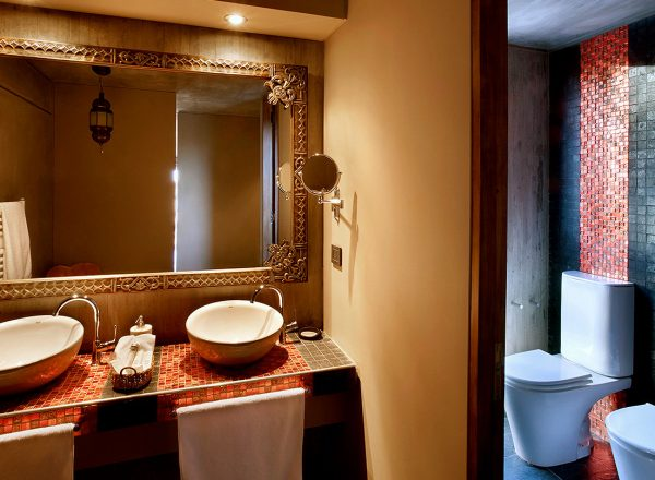 EntreCielos-Accommodations-LuxurySuiteGranCru-2-5b7c7892bc376